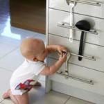 ребенок на кухне
