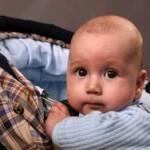 новорожденный в коляске