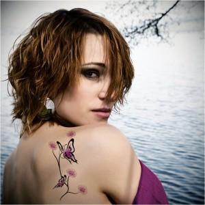 красивая женская татуировка